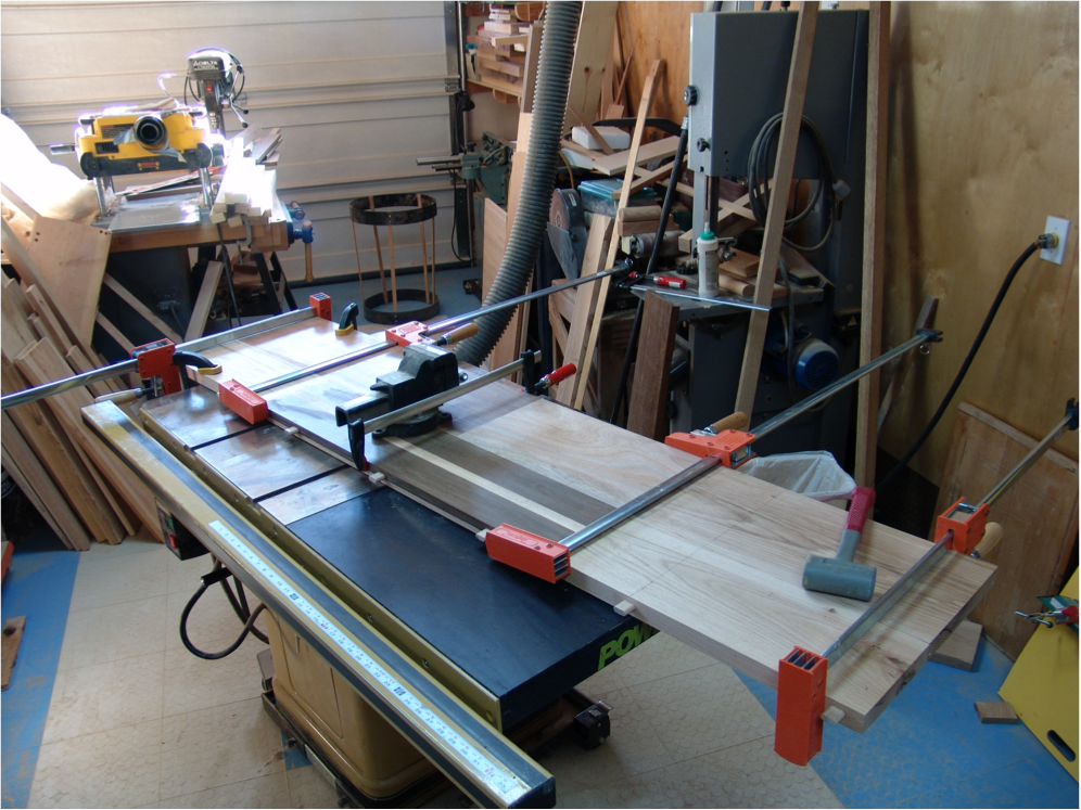 The start of construction of the table top.