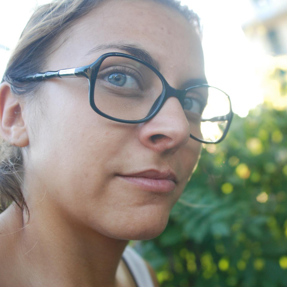 Olá, o meu nome é Sofia, tenho 35 anos, sou de Portugal e este blog é um espaço onde posso partilhar um pouco das coisas que eu gosto de fazer, sobre os meus dois loucos e fofos Jack Russell, a melhor companhia do mundo.