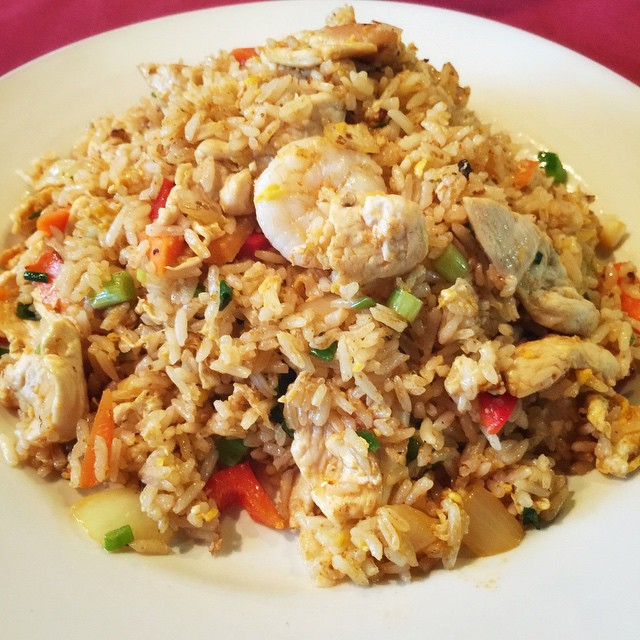 Check out our Monday special: Sriracha Fried Rice with chicken and shrimp. #Thai #thaifood #iwaiwai #waiwaitp #overlandpark #kansas #ks #kansascity #kc #instakc #instafood #foodporn #foodkc #friedrice