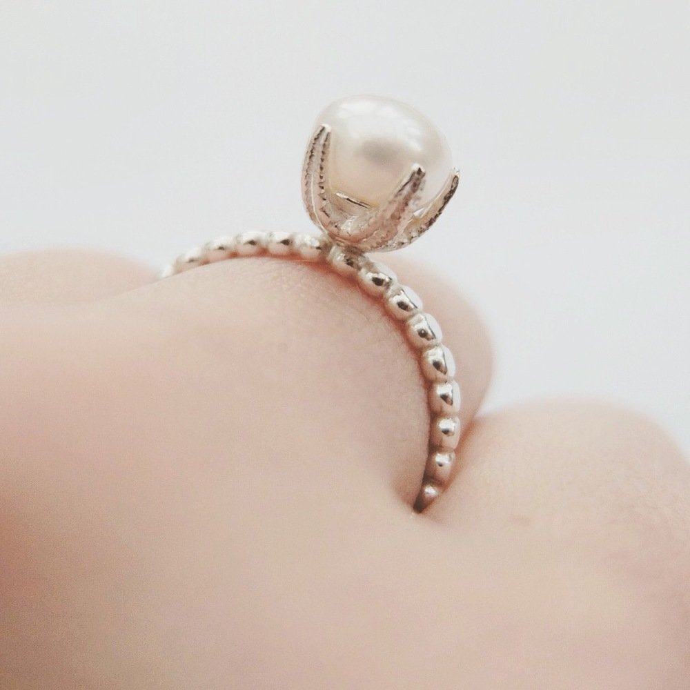 Sterling Silver Starfish Cupped Freshwater Pearl Ring