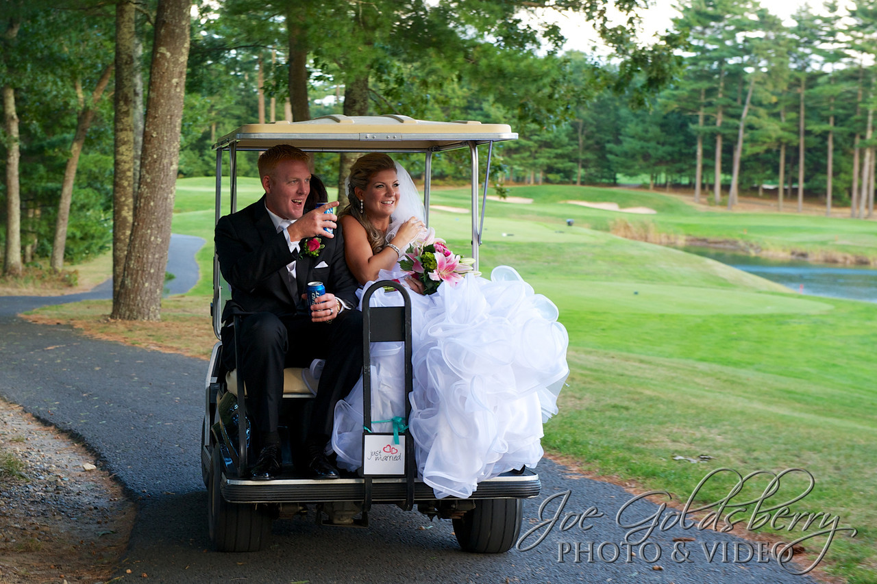 Mr. & Mrs. Dunn getting to the golf course in style!