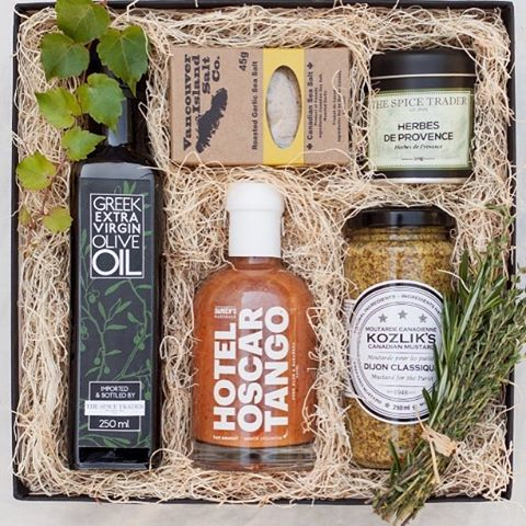 In addition to the delicious food & live tunes at #Melanka, we will also have a raffle featuring AMAZING prizes including a gift box from @presentdaygifts that features fine curated #canadian #artisanalfood olive oil, hot sauce, herbs & spices, sea salt and Dijon mustard! ($65 value!) Don't forget to get your raffle ticket this SATURDAY, JANUARY 21st! (Ps- dinner/dance tickets are still available. Send us a message!) #kosakolektiv #kosamelanka #ukrainiannewyearsparty