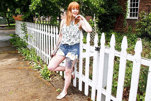 Wake up with a new post this morning on ✨STARKRAVINGCHIC.COM✨ I'm styling this sweet summer blouse from my sponsor and affiliate @anntaylor along with these adorable shorts I made after thrifting a few items from @goodwillswpa! Get all the details about this summer outfit now #ontheblog (Link in bio ☀️) . . . . Also, if you love this look, screenshot to shop this pic with the LIKEtoKNOW.it app! http://liketk.it/2vKx1 @liketoknow.it  #liketkit