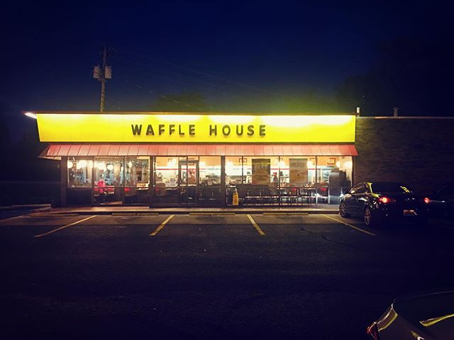 So excited to be in the south again 😍  #travel #alabama #roadtrip #wafflehouseisbetterthanihop #lifestyleblogger #travelblogger