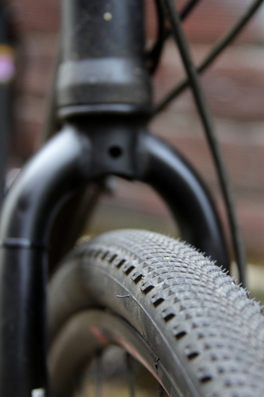 Specialized Trigger 33mm tires, good for paved - to - medium gravel roads. Tubeless, natch.