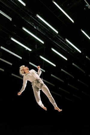 juliet_stevenson_in_wings_at_the_young_vic._credit_johan_persson_3.jpg