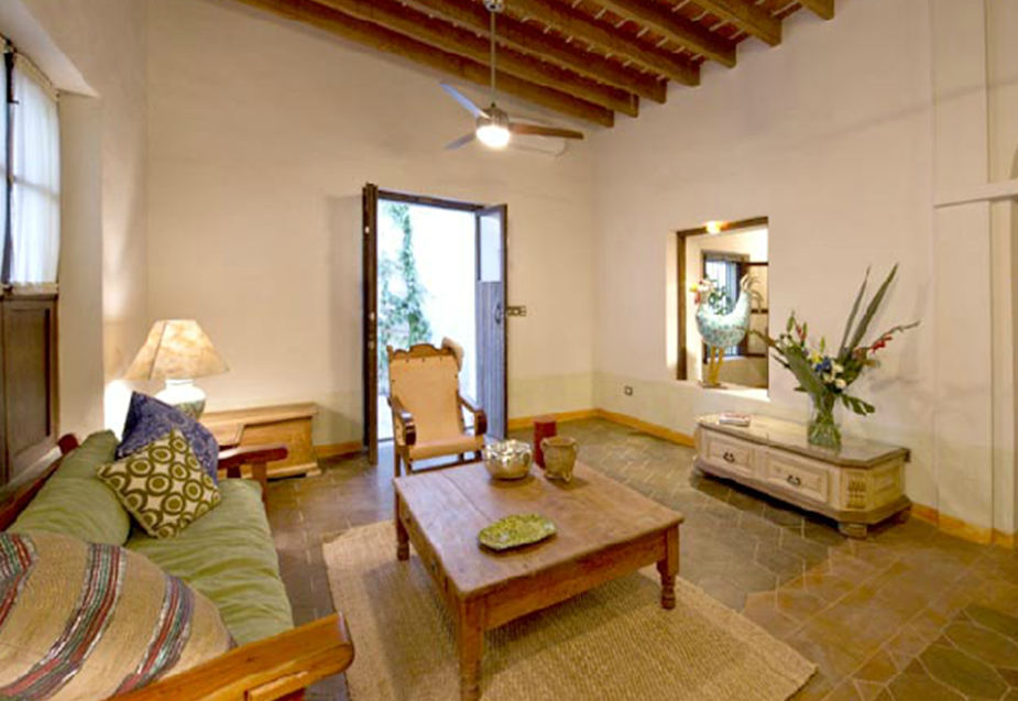 indoor-traditional-residence-rent-la-paz-baja-california-sur.png