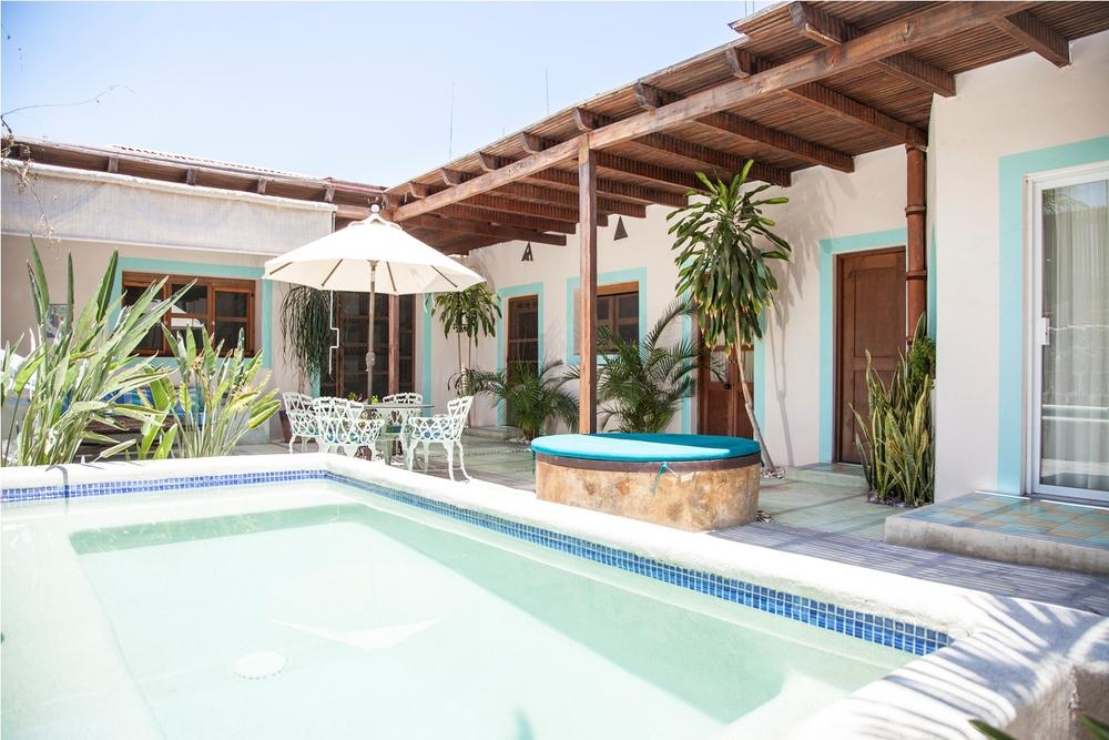 alberca-patio-casa-diseño-construccion-tenaja-holdings-la-paz-baja-sur.jpg
