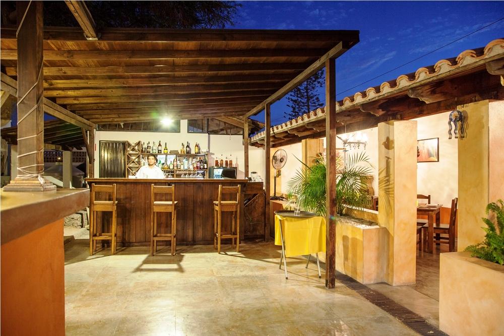 restaurant-bar-pizzeria-il-rustico-la-paz-mexico.jpg