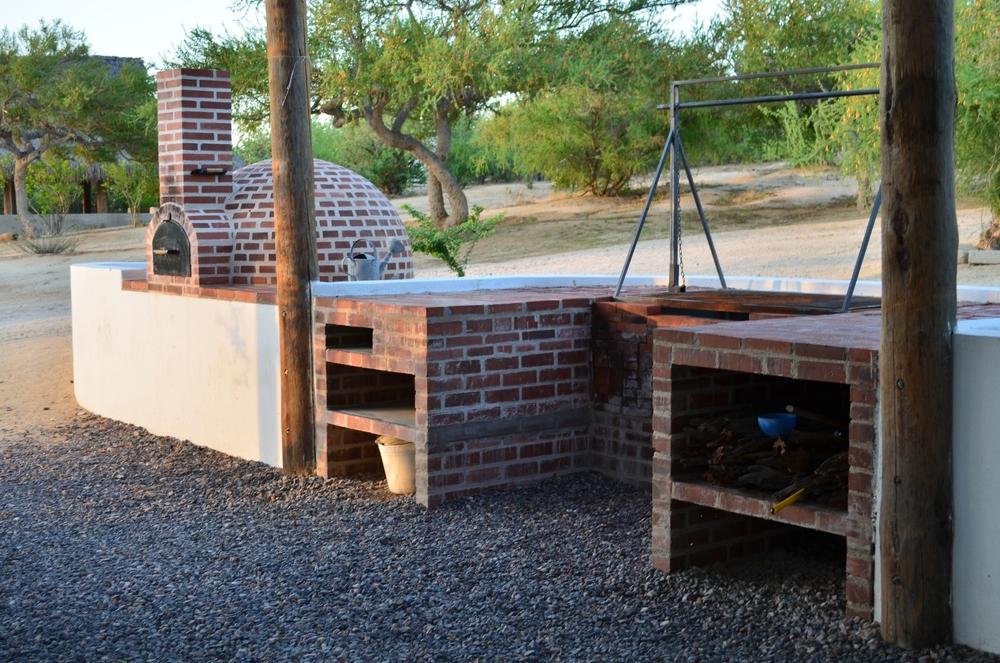 Rancho chivato tenaja holdings for Cocinas rusticas para patios