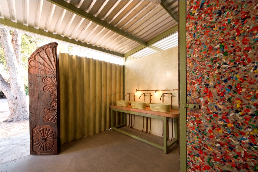 bathroom-ecological-recycled-construction-materials-la-paz-mexico.jpg