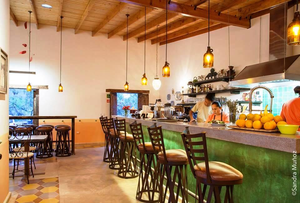 restaurant-interior-decoration-el-triunfo-baja-sur-mexico.jpg