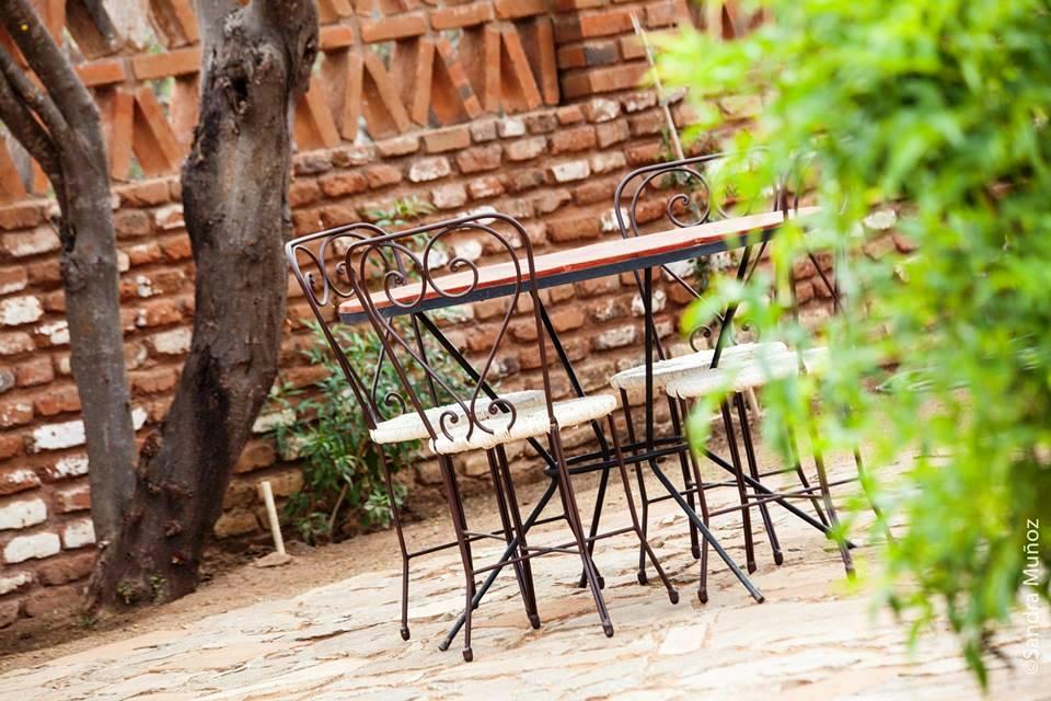 restaurant-outdoor-patio-el-triunfo-mexico.jpg