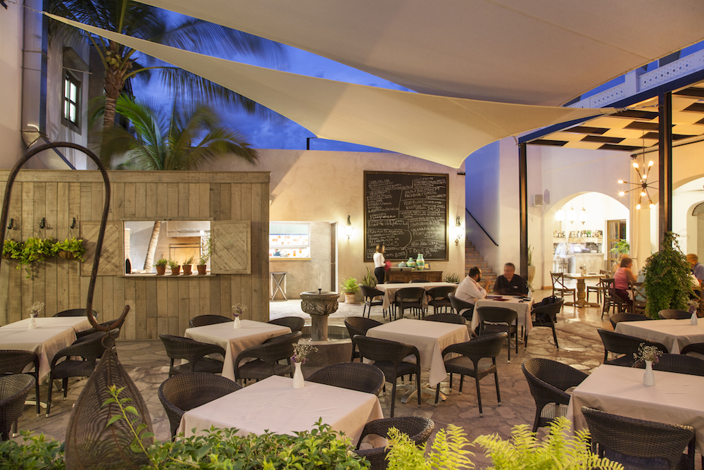 innovative-restaurant-baja-california-sur.jpg