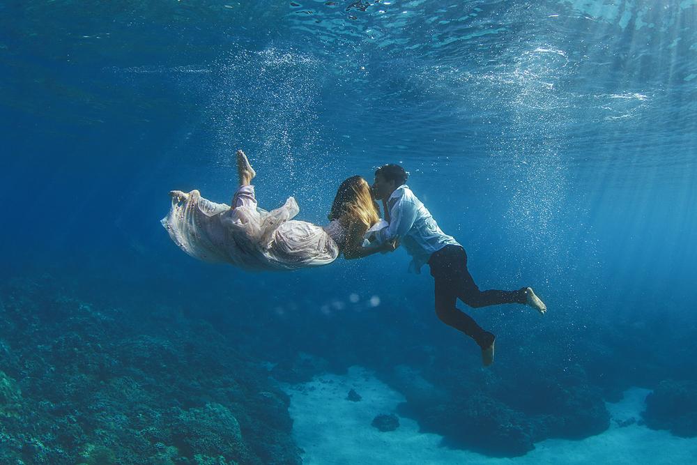 Underwater-Trash-Dress-Joelle-Perry-Gown-Maui-22.jpg