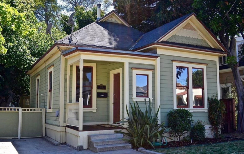1533 OSOS STREET - SAN LUIS OBISPO The 2 bedroom 1 bath cottage with separate 1 bedroom 1 bath studio sold for $690,000 on 07/20/17. Originally priced at $699,000 this $3,798 sq. ft. sized lot in downtown SLO was on the market for 324 days.