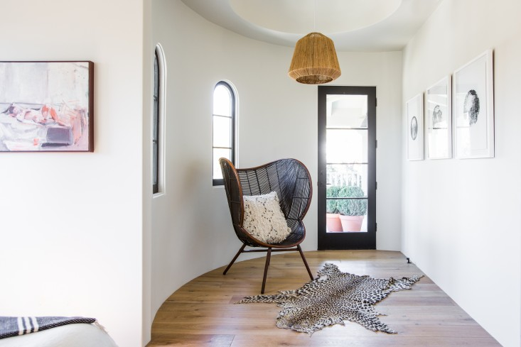 Leigh-Herzig-spec-house-West-Hollywood-photographed-by-Laure-Joliet-Remodelista-20.jpg