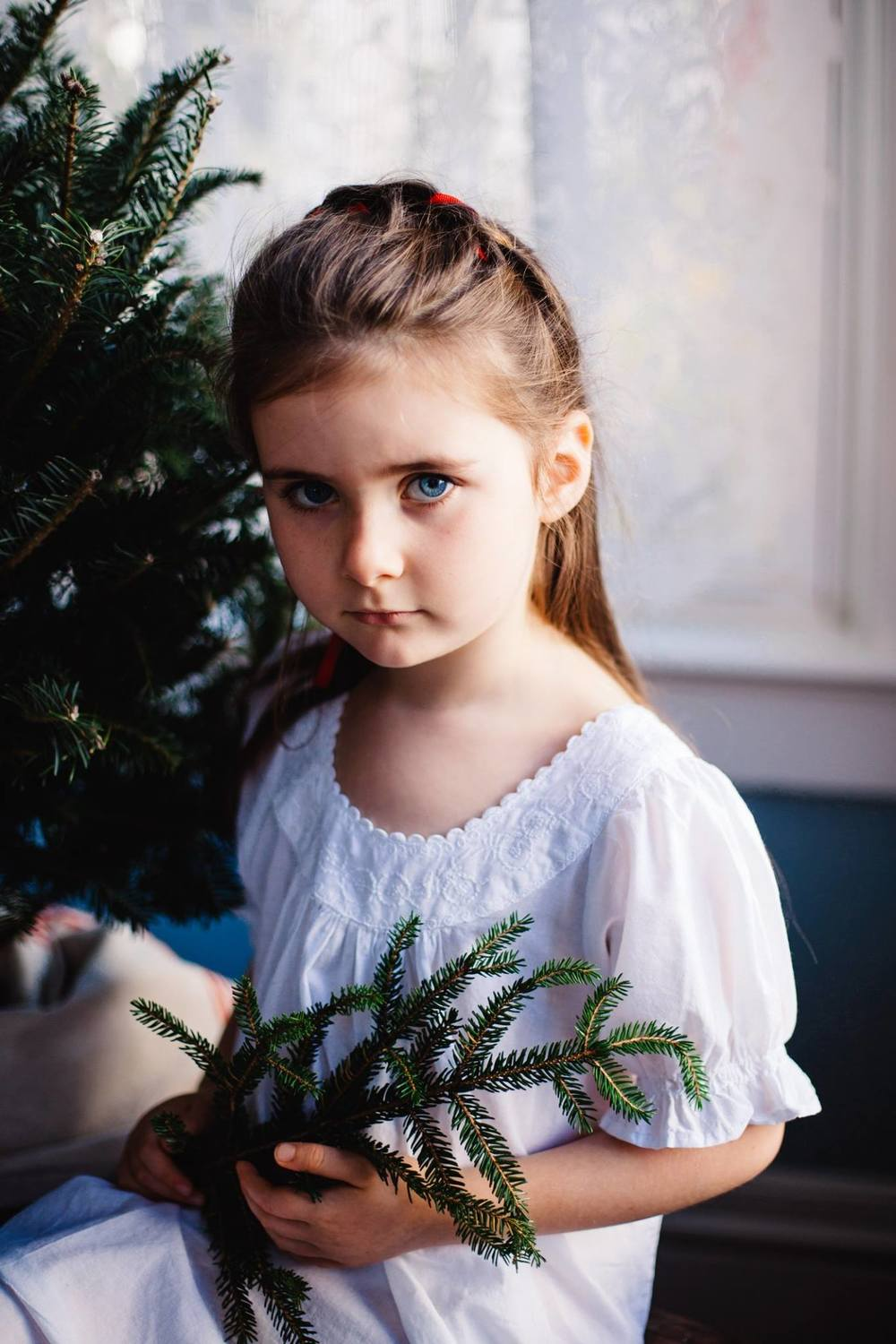 scandinavian christmas photo shoot | Jennifer Tippett Photography