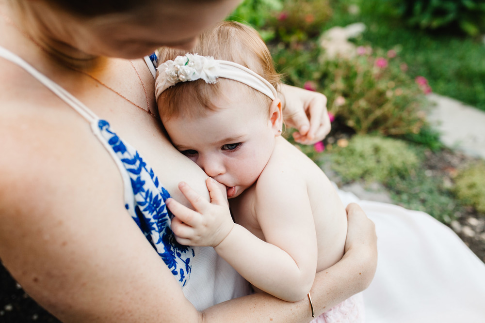 breastfeeding photography