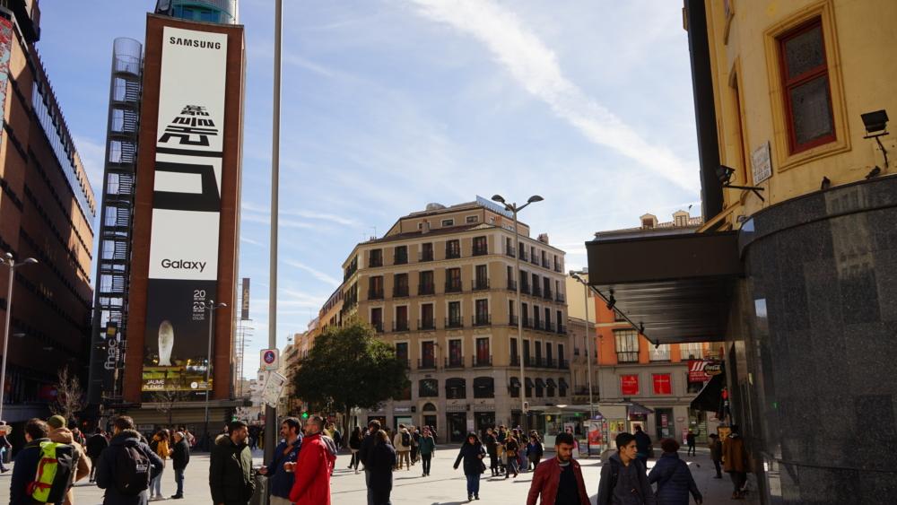 Unpacked-2019-OOH_main_4-Callao-Square-Madrid.jpg