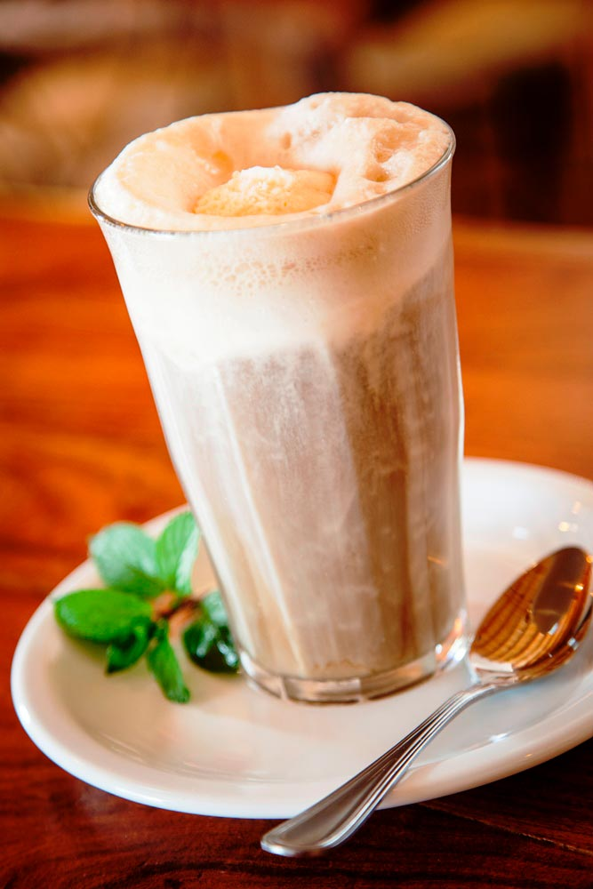 Root Beer Floats — El Triunfo