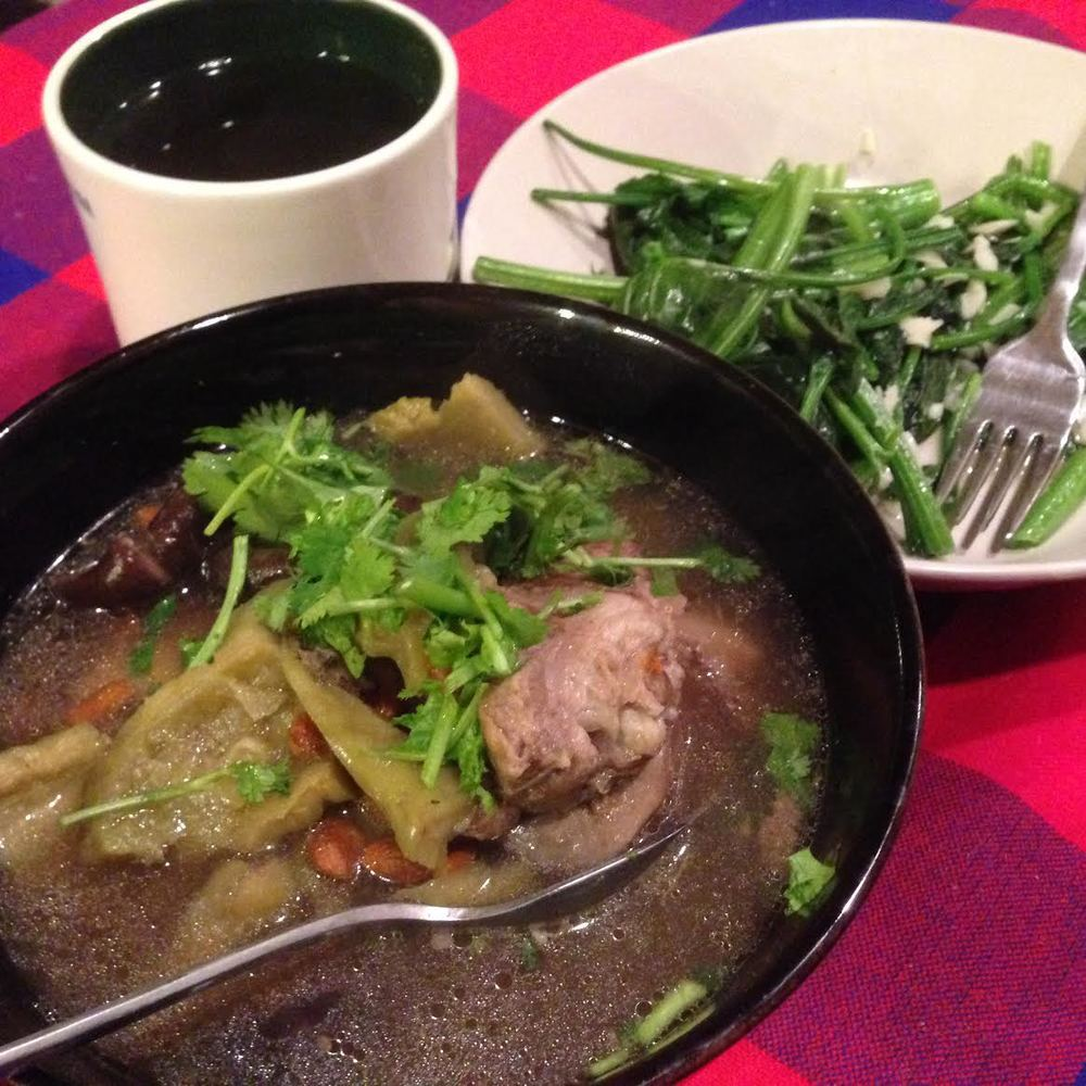 Routine dinner for me: Ku Gua Tang, Water spinach and High Mountain Oolong Tea. Also, ignore the unnecessary cilantro.
