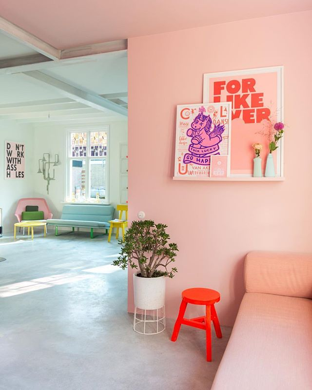❤️. True love. 😍 #Repost @zilverblauw with @Rep0stApp • • • • • • • The pink room, from the other side. On the wall is one of our @wowncrew shelves that we've painted in the same color as the wall. As you can see, we still need to paint the construction beams (and the staircase, and most of the doors) but this place is slowly but surely becoming our home. 💕