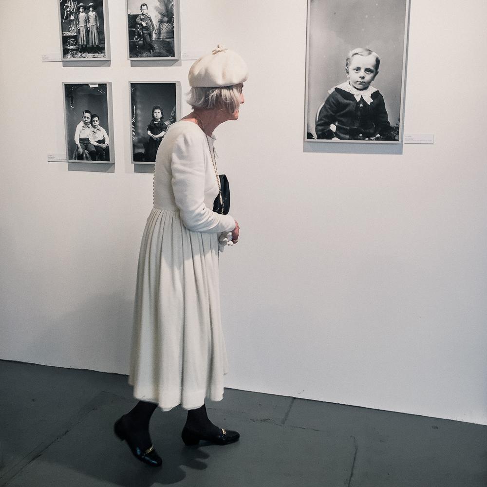 woman_in_white-3.jpg