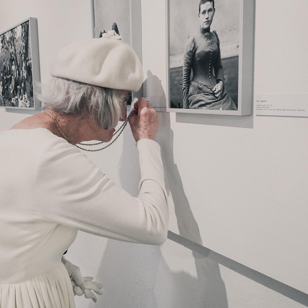 woman_in_white-5.jpg
