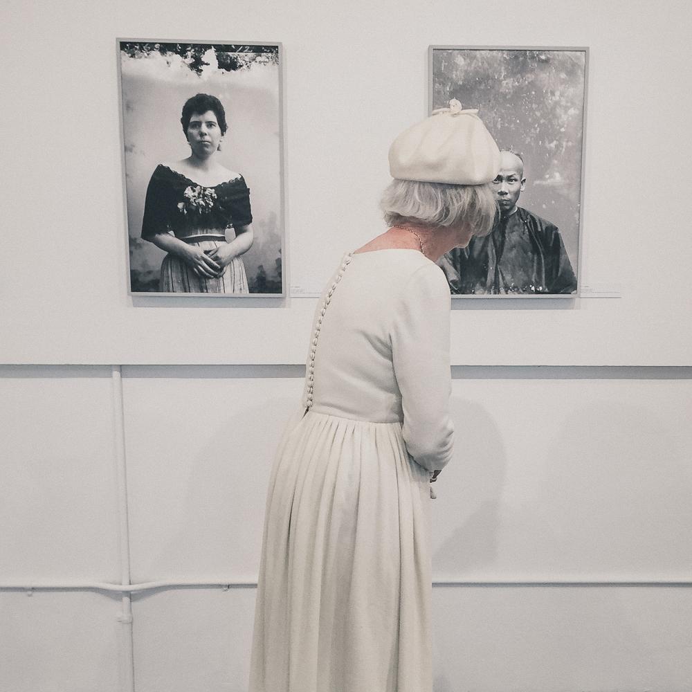 woman_in_white-8.jpg