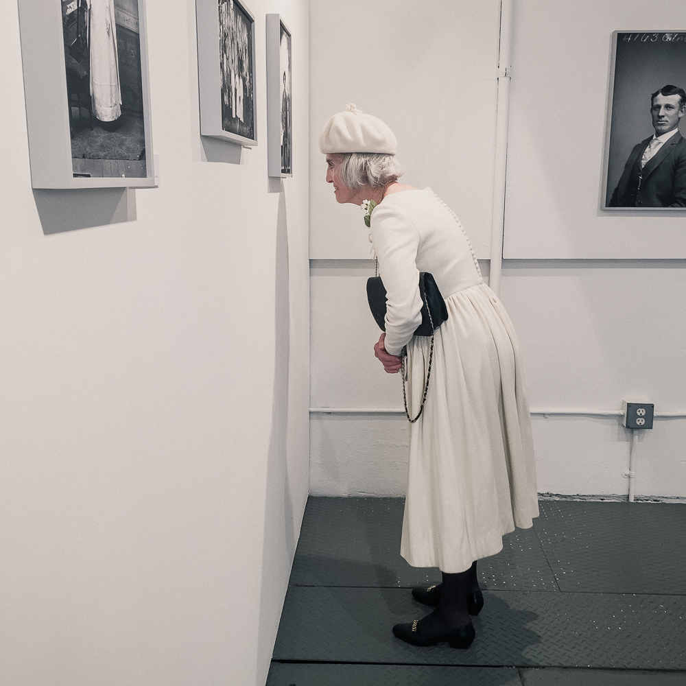 woman_in_white-7.jpg