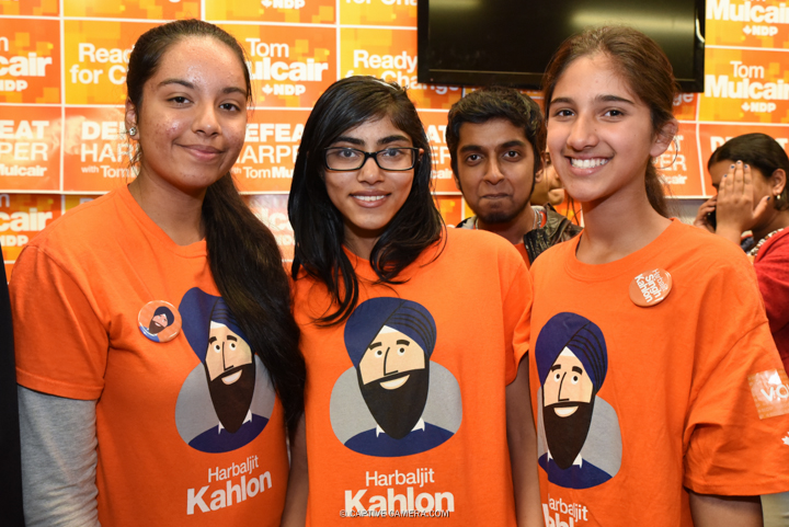 Oct. 13, 2015 (Brampton, ON) - Young NDP supporters at Brampton East riding of NDP candidate Harbaljit Singh Kahlon.