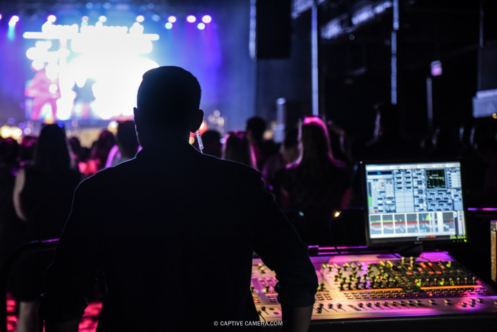 Nov. 21, 2015 (Toronto, ON) - The audio engineer in Toronto's Sound Academy during the concert of Venezuelan duo Chino & Nacho.