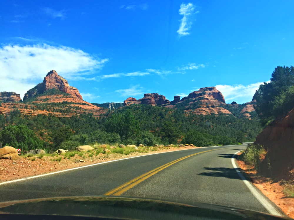 The drive into sedona from US-180.