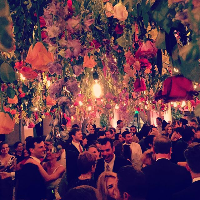 •• and then the drippy flower canopy over the dance floor. Spot the happy couple? •• #jeannegetsmitched #flowerporn #wedding #flowers #bride #groom #love