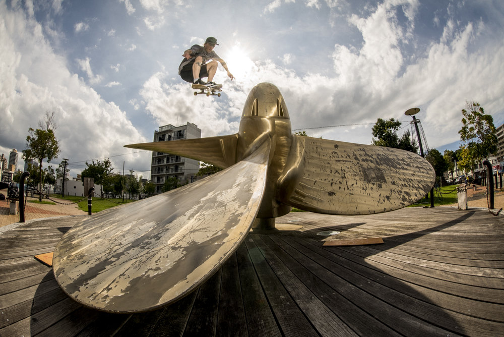 Digital Patrik Wallner 2016 Fukuoka Phil Ollie Into Propellar.jpg