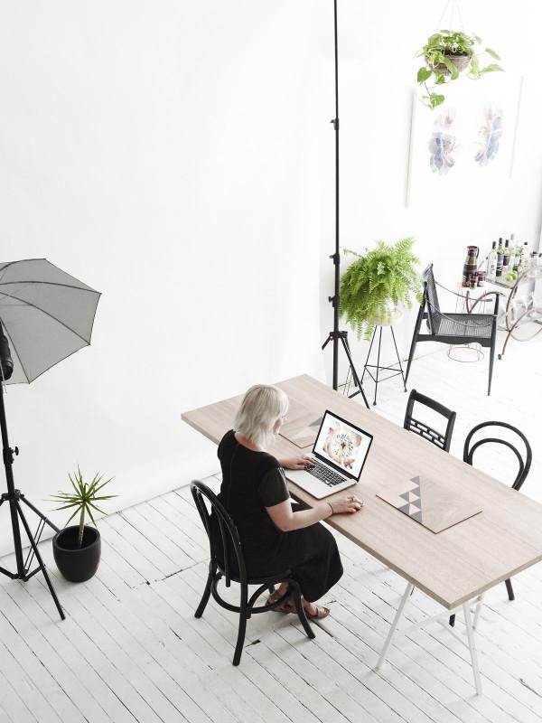 australian-house-desk