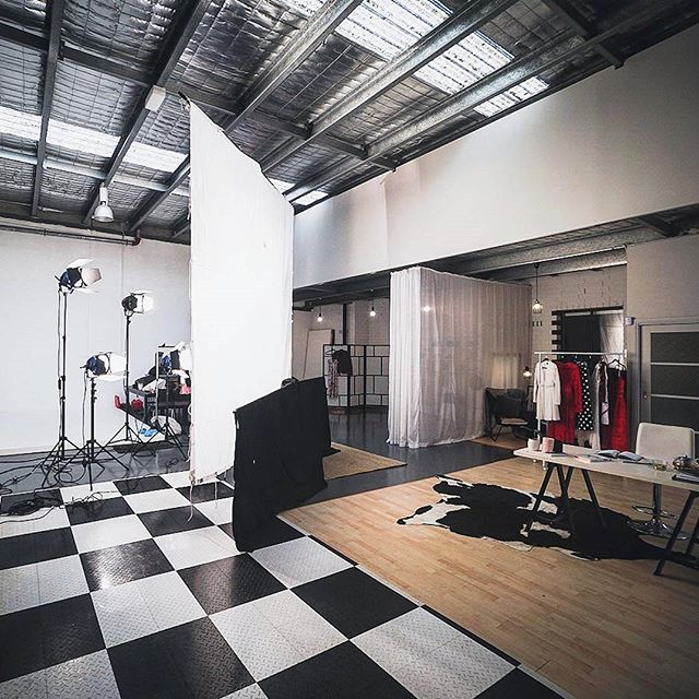 A BTS of the talented team at @darrylephraums doing their studio thang. 4x2k arri tungsten through a 12ft 1/2 grid cloth.