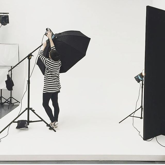 The amazing and talented Clare from @theimagetakers setting up for a shoot @eclatcreative #photography #studio #lifestyle #style #design #photostudio #portrait #bts #behindthescenes #onset #monochrome #photogenic_army