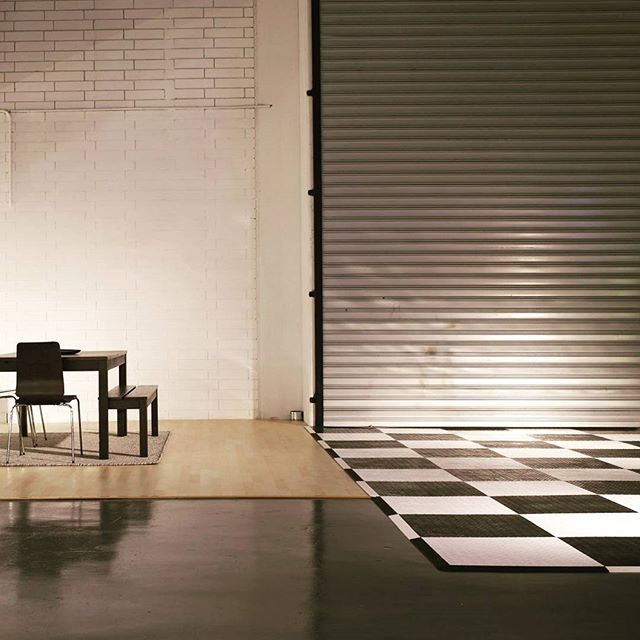 The allure of space and ambience. Twilight sessions at Eclat Creative, need the studio after hours? We're open when you need us to be. Concrete, wood, steel, chequered and brick. 👌 #photostudio #interiordesign #warehouse #melbourne #williamstown #studios #ontrend #interior #homebeautiful #homestyling #interiordesign #photography