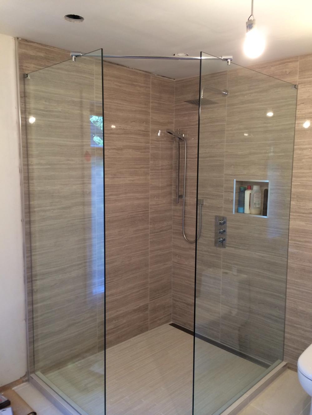 Shower_Fixtures_01.JPG