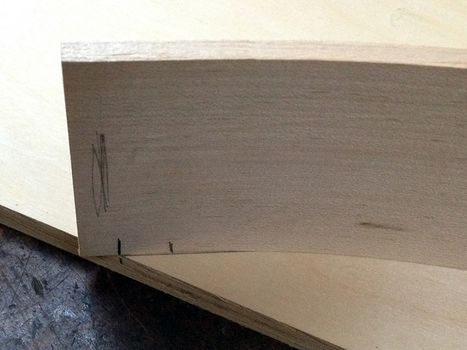 The tenon end of the slat has been flattened to 28°