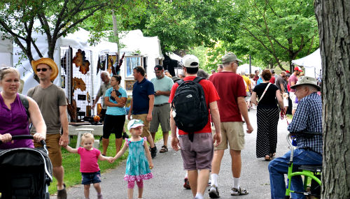 ArtfestKingston_crowd_2016_A.jpg
