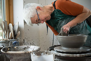 micki schloessingk making bowl-61.jpg