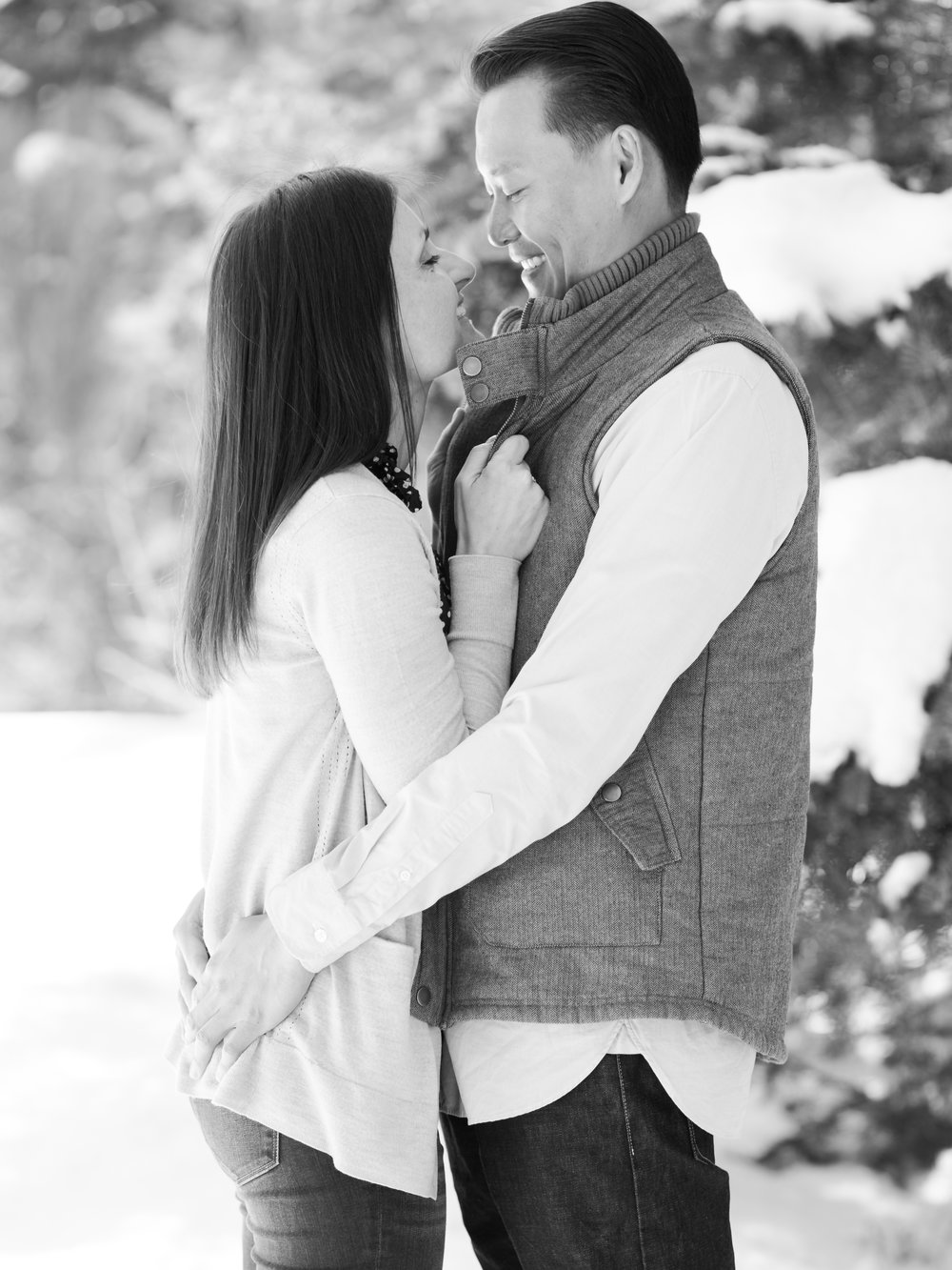 daidrismythe_utah_winter_engagement-22.jpg