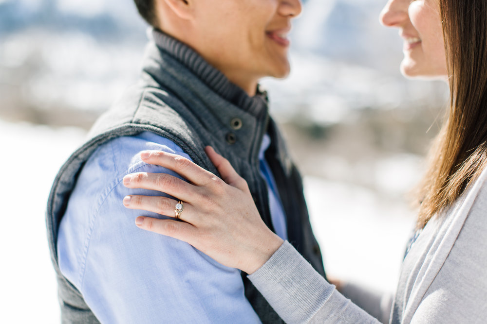 daidrismythe_utah_winter_engagement-10.jpg