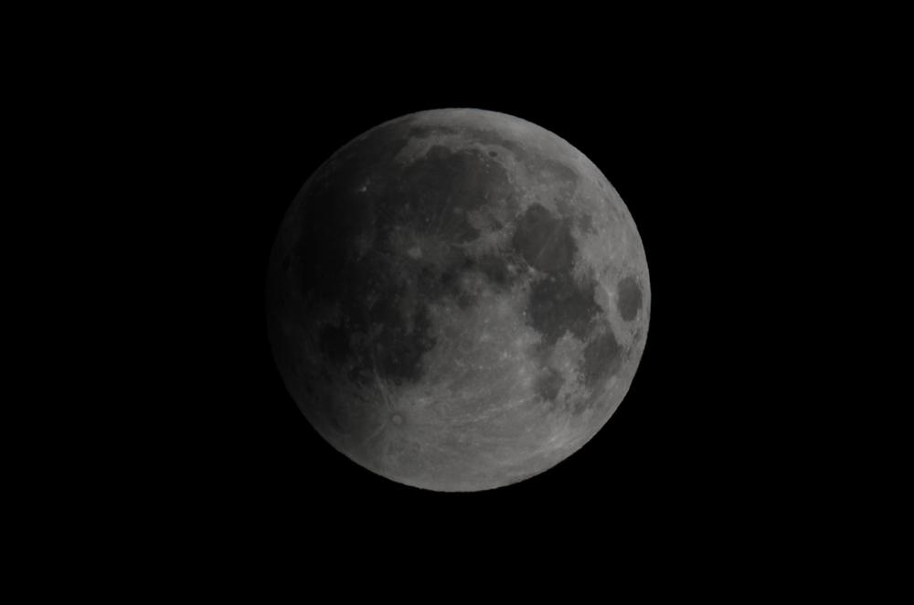Lunar Eclipse 06:11 AM EDT Nikon D7000 ISO 100 600mm f/18 1/160 sec.
