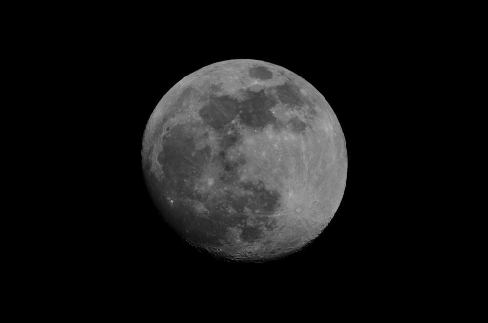 Moon  ISO 100 600mm f/11 1/250 sec