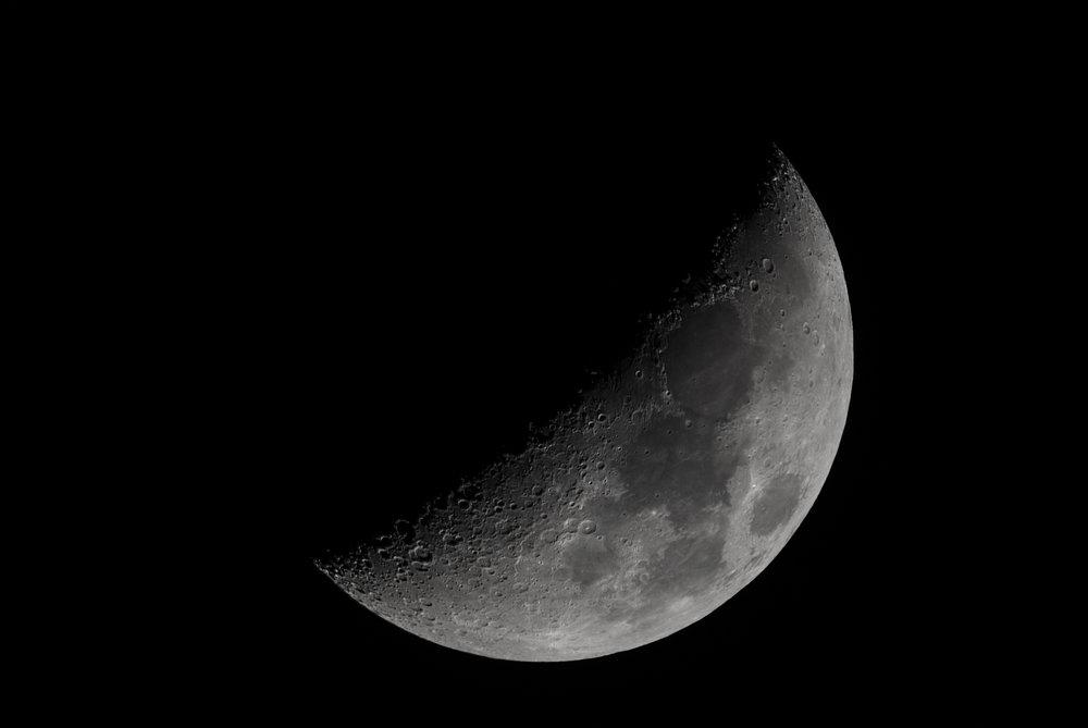 Waxing Crescent Moon - 04 Jan 2017 18:51:00 EST Nikon D750 ISO 320 1200mm f/10 1/160 sec. 9-image stack using Registak 6.0