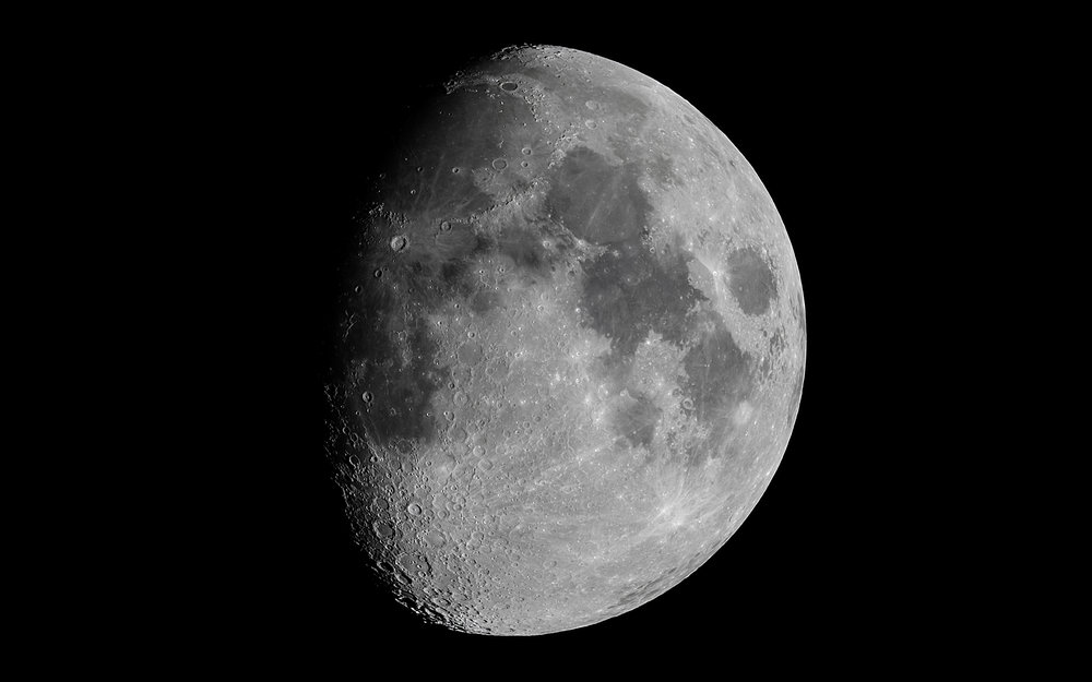 Moon (18 image stack in Registax 6)